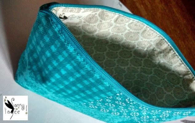 Trousse turquoise