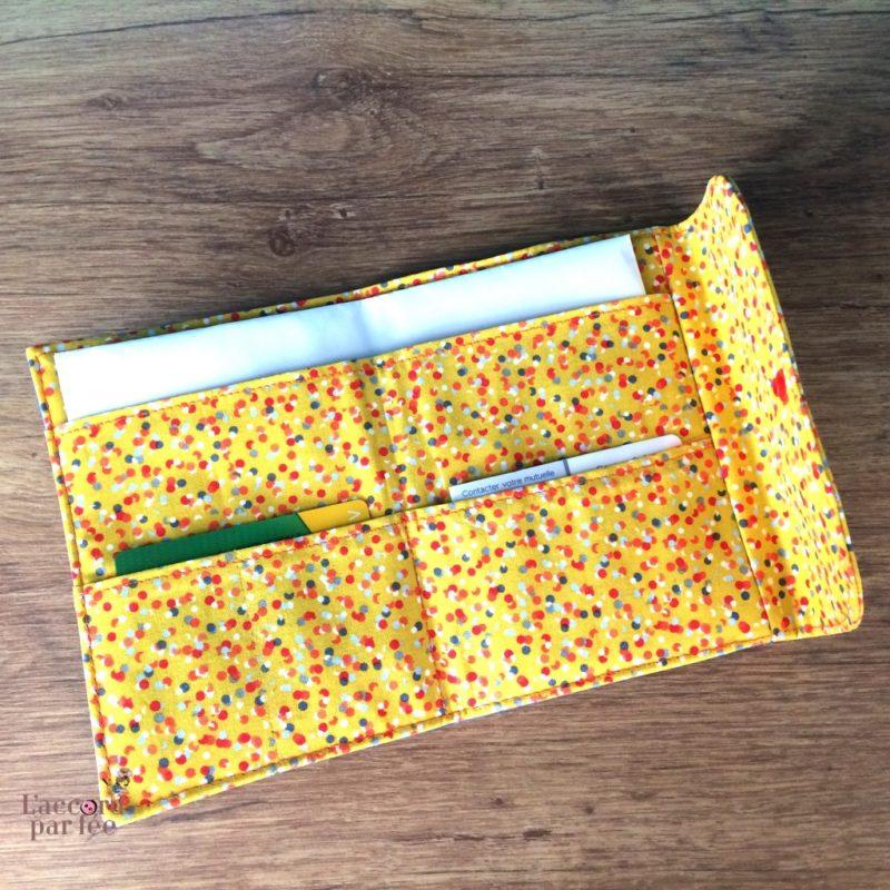 Pochette a pharmacie simili jean coton moutarde ouverte